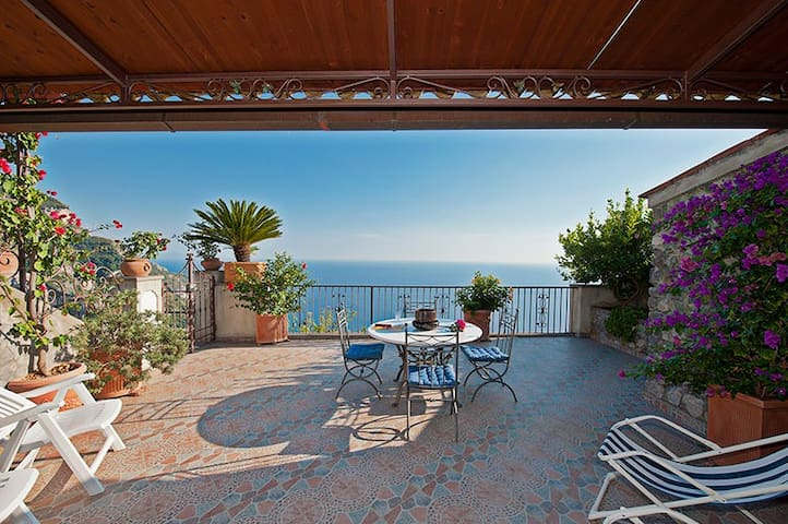 Lovely villa on the hill of Positano seaview, park - Nocelle - 別荘