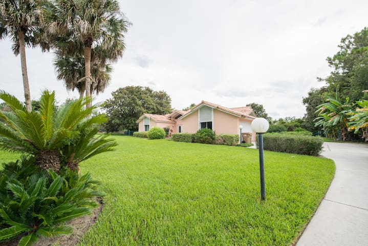 Maison avec piscine proche Orlando - Clermont - Dom