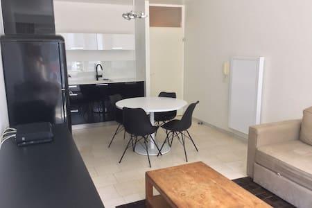 Modern gerenoveerd appartement - Коксейде - Квартира