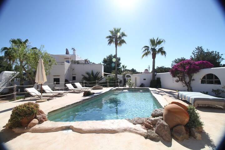 Moroccan Style Villa near St Josep sleeps 6/8