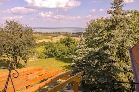 Balaton-felvidék, Hegyestű - emelet - Monoszló - Lägenhet