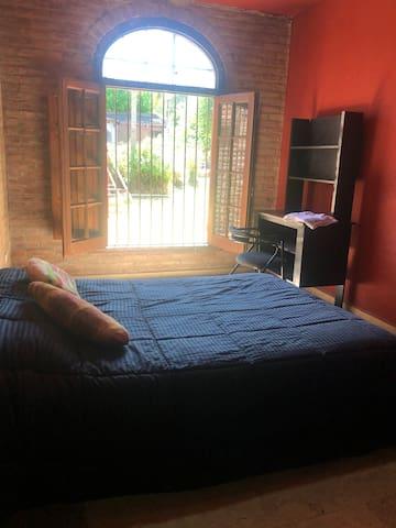 Habitación cama matrimonial planta baja