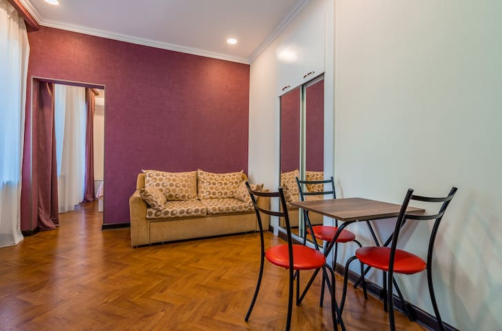New 1 BR apartment near Metekhi church