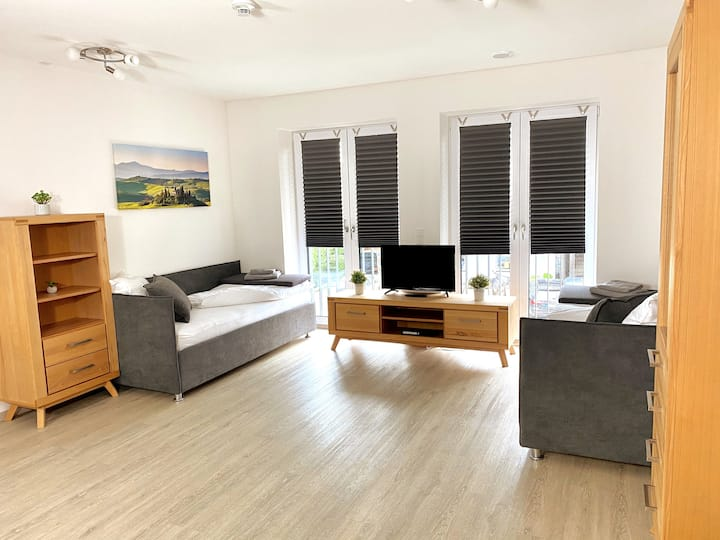 Modern 4-Bed Apartment - Close to City Center