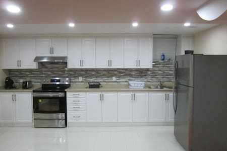 A spacious  fully furnished 2 bedrooms apartment.