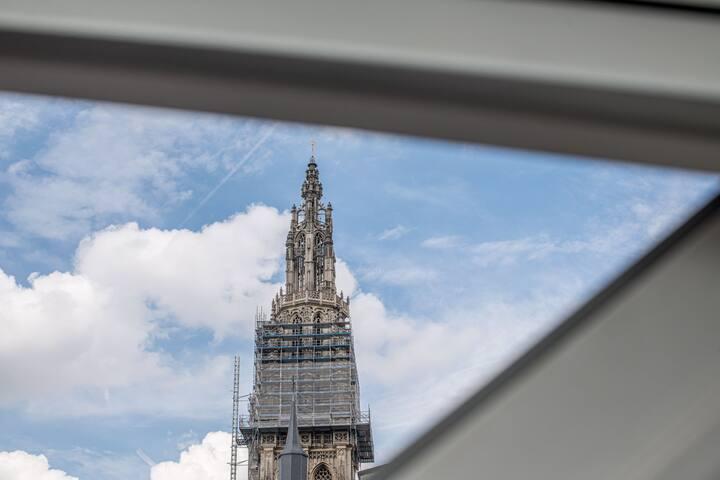 Heart of Antwerp 3