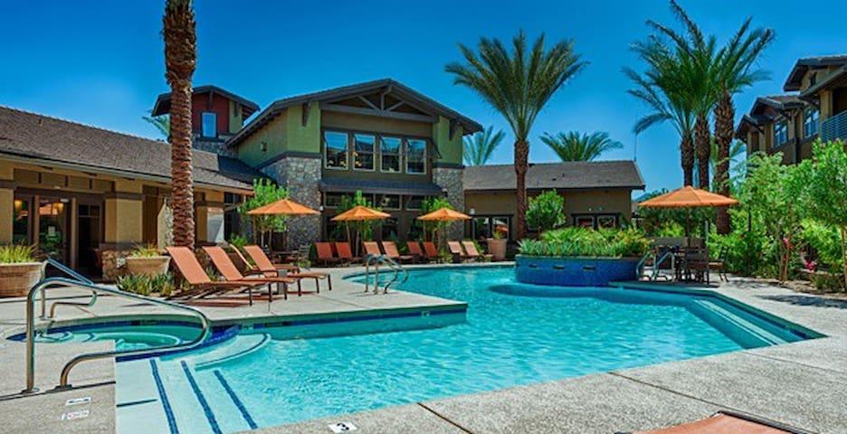 3 Bedroom Condo in North Scottsdale - Scottsdale - Byt