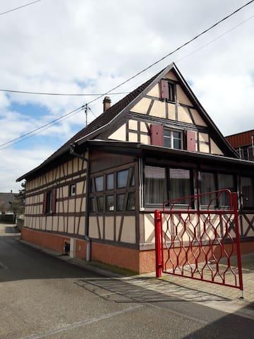 Maison au calme à 17km au sud de Strasbourg