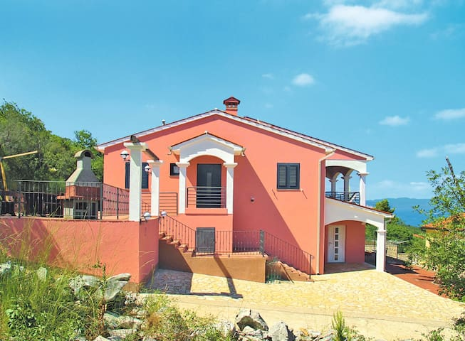 Detached house Haus Alice for 10 persons