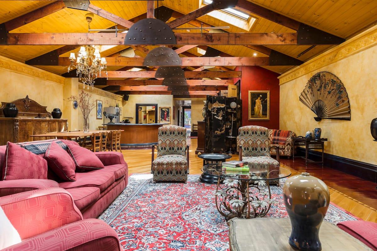 Spacious Apartment with Eclectic European Design