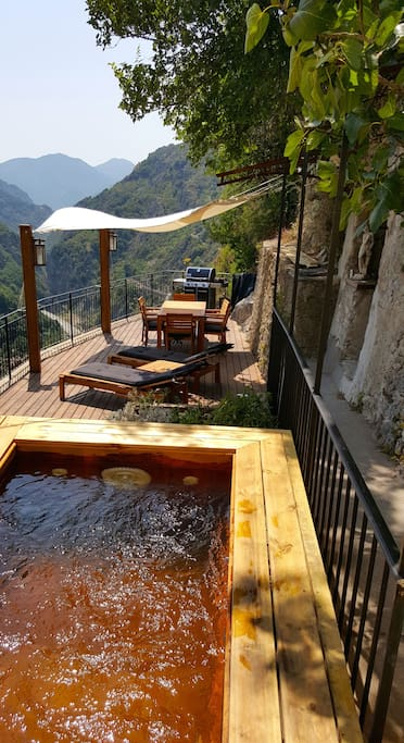 Terrace with pool/spa