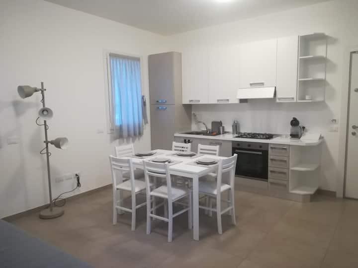 Moderno appartamento a 80m dalla spiaggia!