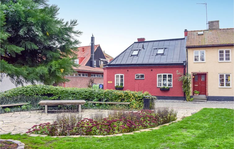 Holiday cottage with 2 bedrooms on 80m² in Ystad