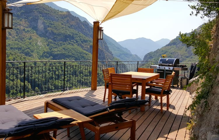 Big Terrace, close to riviera and alps