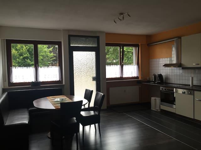 Großzügige 2-Zimmer Wohnung - Heuchelheim - Byt