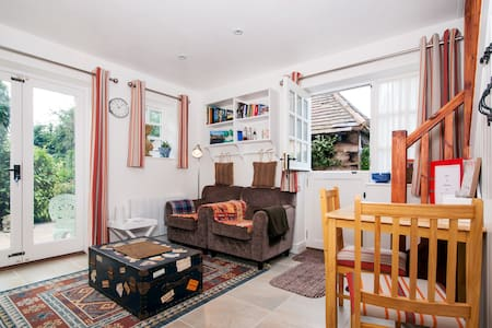 The Match Box, Private Studio, Cotswold Hideaway - Apartament