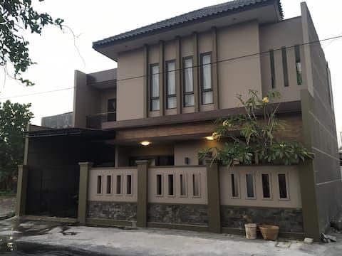 Rumah Kamboja Solo