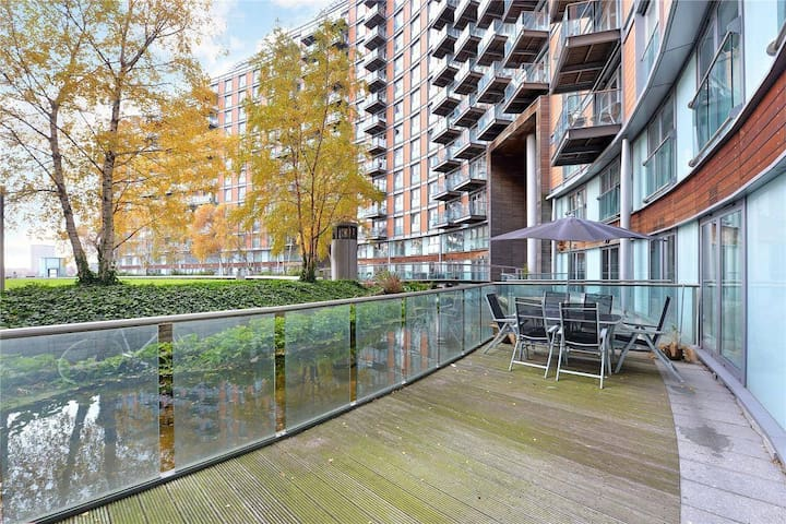 1 bed flat few minnutes from Canary Wharf!