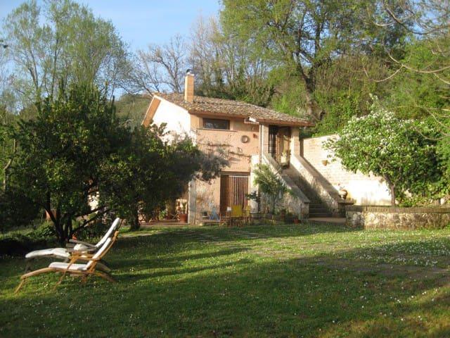 Rustic farmhouse with pool - Rieti - Huis