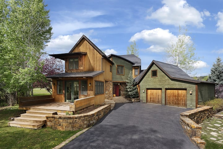 River Valley Retreat - Spacious 5bed, 5bath Luxury Home