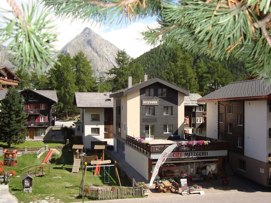 Cityhaus im Sommer