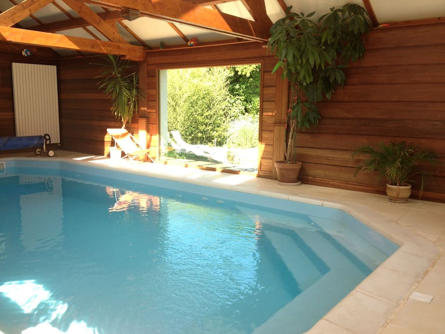 Maison avec piscine couverte houses for rent in vire for Camping basse normandie avec piscine