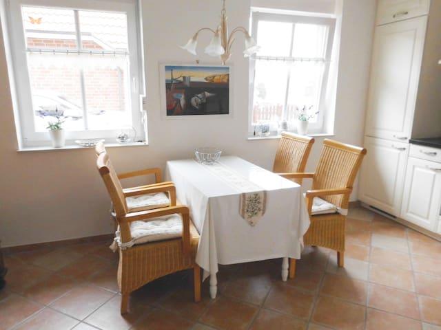 Ferienhaus Mühlenblick - Friesenhaus am Meer - Dornum - Dům