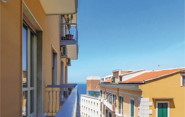 Holiday apartment with 2 bedrooms on 107m² in Castellammare di Stabi