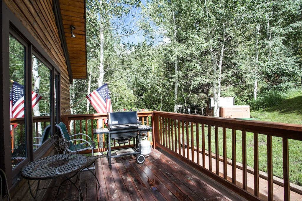 East sides deck and BBQ