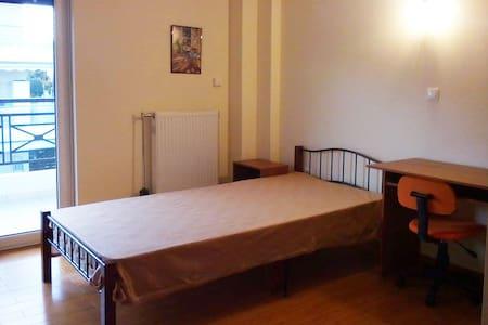 Μεσαίο Δωμάτιο με διπλό κρεβάτι - Gerakas - Casa