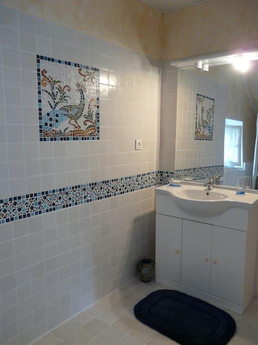 Maison en vallee de creuse huizen te huur in badecon le pin centre frankrijk - Emaux van briare badkamer ...