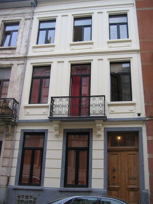 Le mangin palace 2 appartements louer saint gilles for Appartement atypique bruxelles