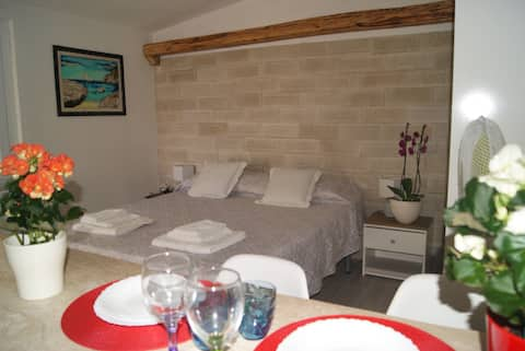 Studio for 2 with parking 2 km from the sea