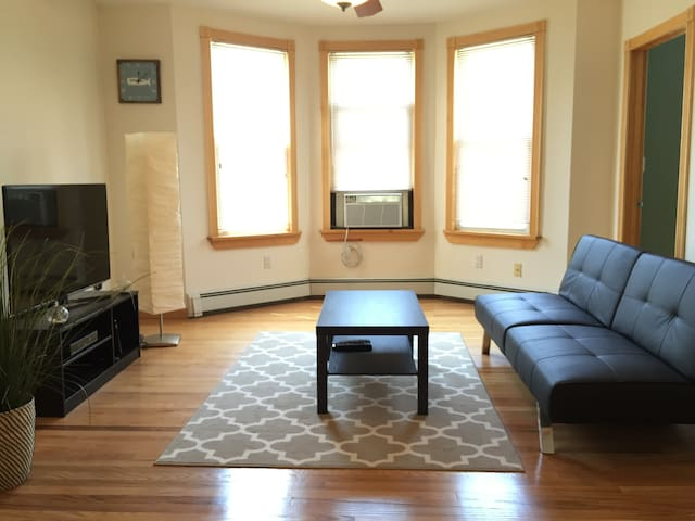 Spacious 2BD 15min to TIMES SQ!!! - West New York - Flat