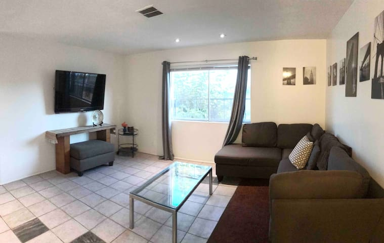 Private Bdrm in 2 Bdrm Condo, Convenient to All