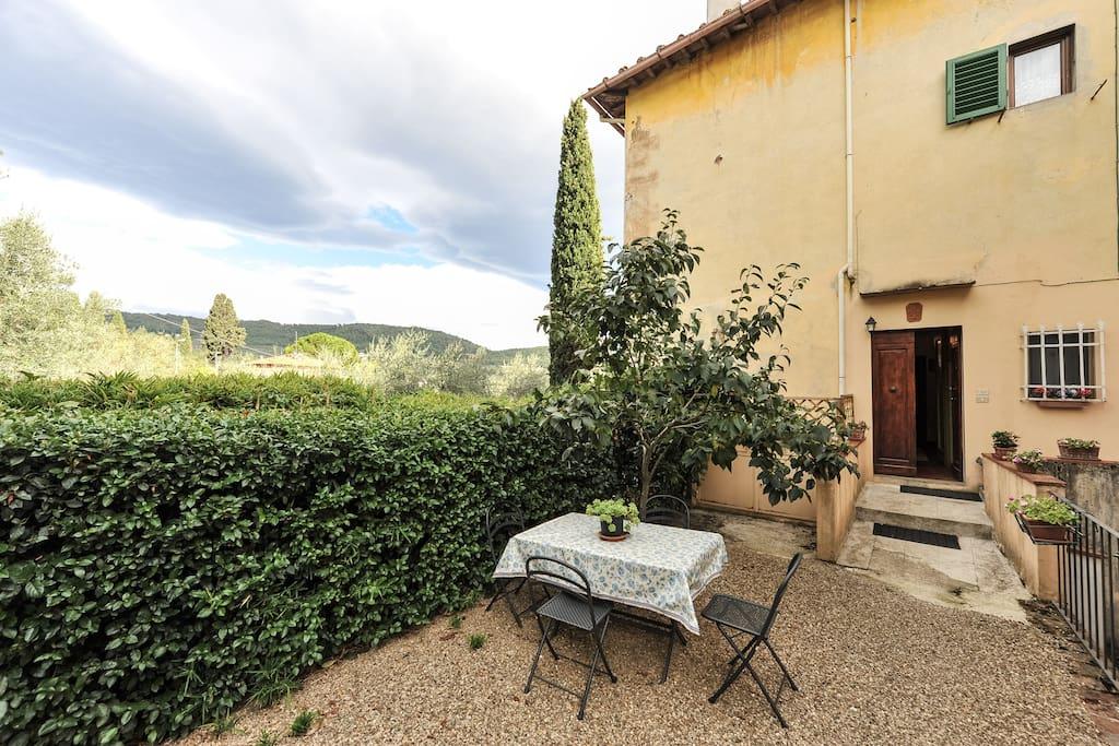 Flat in Villa Nobili entry