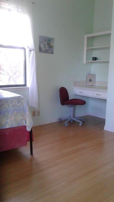Built in desk area