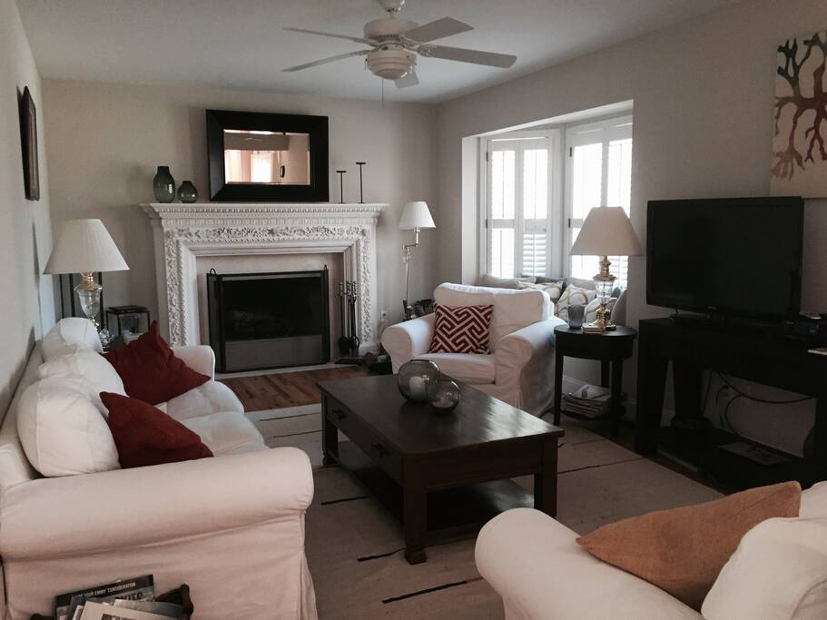 Family room with flat screen smart tv, cable, DVD and wifi.