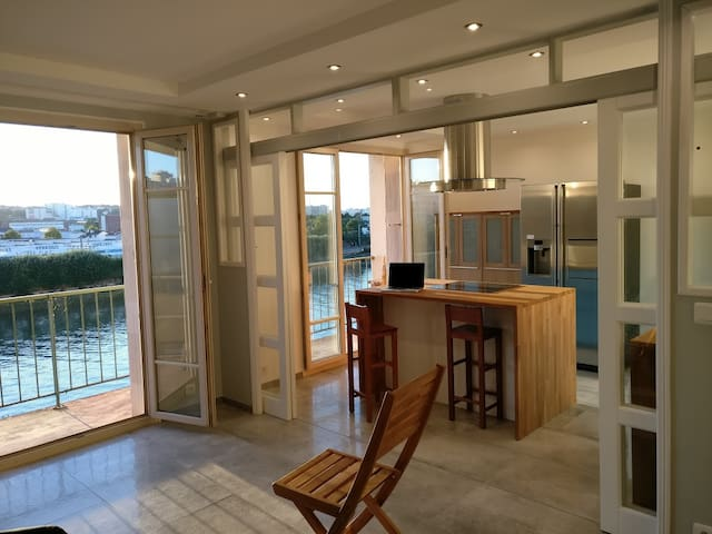 Flat 68m2 on Seine Border at 15min Orly and Paris - Choisy-le-Roi - Daire