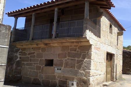 Casa Trandeiras - Trandeiras - House