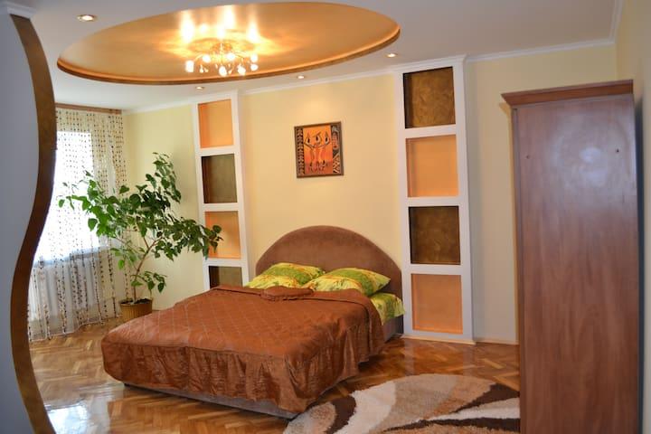 квартира подобово Грушевського 18 - Luts'k - Appartement
