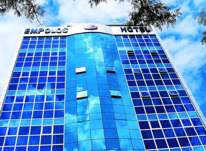EMPOLOS HOTEL