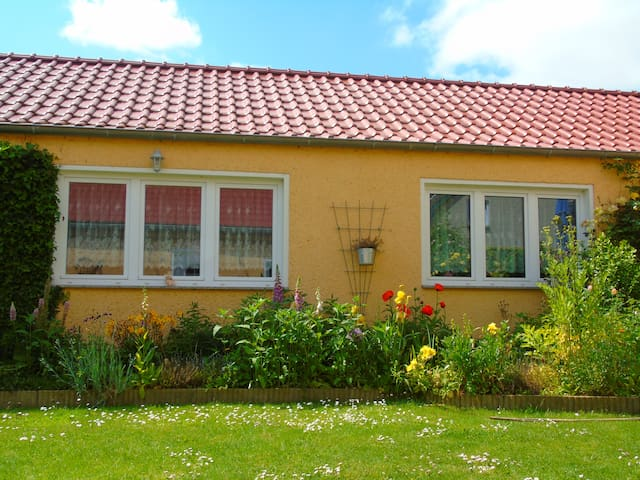 Ostsee Rostock Sanitz Ferienwohung - Sanitz - Huis