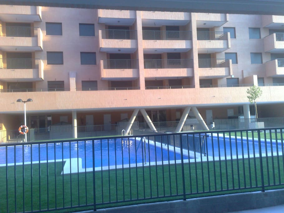 Apartamento junto playa de patacona appartamenti in for Piscina patacona