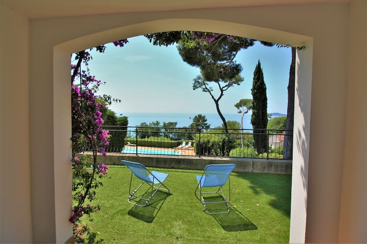 50m from the beach-Large terrace-Sea view-Pool