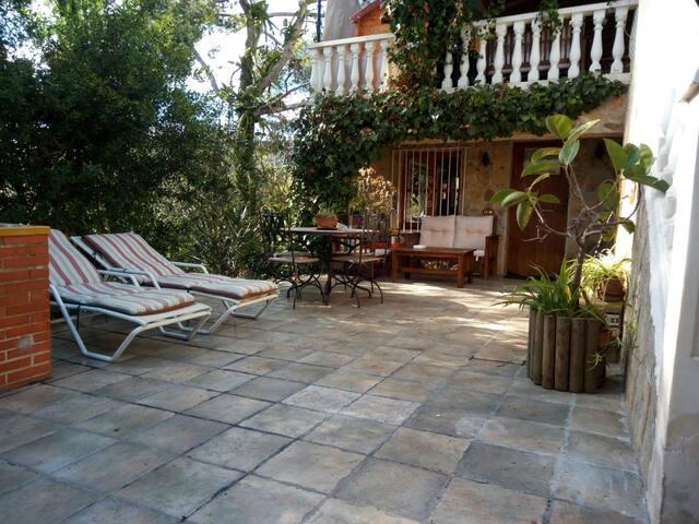 Apartamento estilo rustico  jardin. - Portals Nous - Dom
