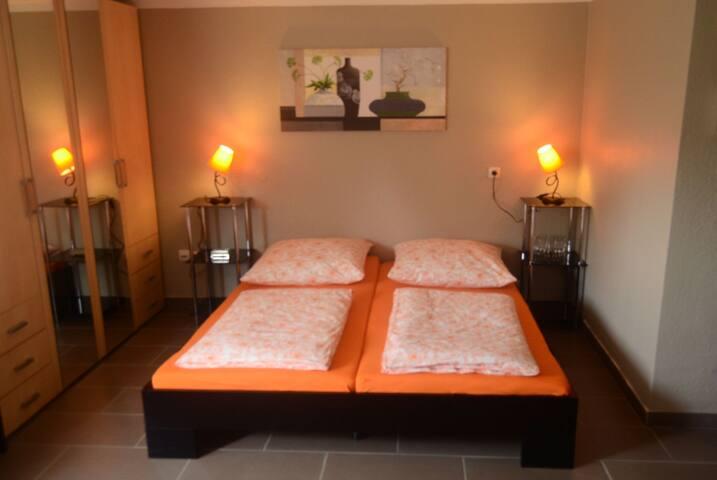 Großes Familien Zimmer für 6 Pers. - Gründau - Haus