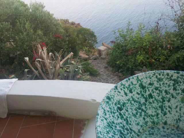 alicudi porto settembre 2017: top 20 affitti per le vacanze, case ... - Affascinante Casa Privata Sul Mediterraneo