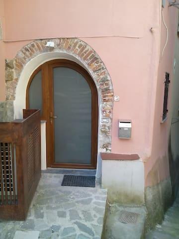 La Casa nel Borgo - Valeriano - Apartemen