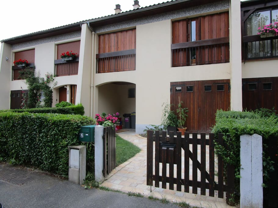 Maison 5 chambres jardin f ret houses for rent in for Jardin foret